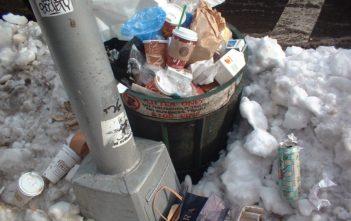 Мръсотия в Студентски град след Коледа