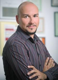 Доц. д-р Боян Кутевски: Не става само с учене...