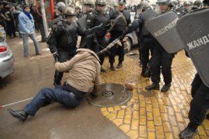 Протест срещу вечерния час нямаше - студентите изчакват 5 април