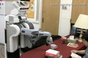 Изобретиха робот, който да носи бира