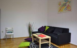 Терапевтичен център се бори със зависимостите сред пълнолетните хора в България