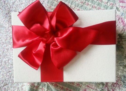 Как да изберем подарък за жена