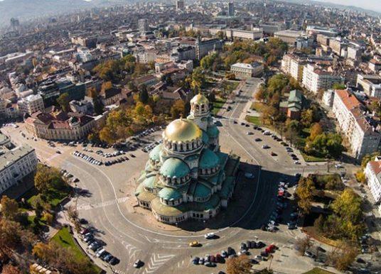 Защо водещите компании за хазарт предпочитат да са базирани в София
