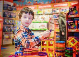 Коледното пазаруване, децата и Черен петък